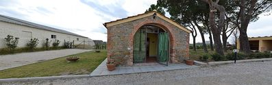 Photo for 1BR Villa Vacation Rental in Cortona