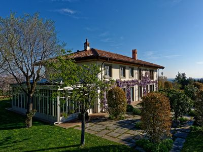 Photo for Beautiful villa in the hills of Bologna, with large garden and swimming pool.
