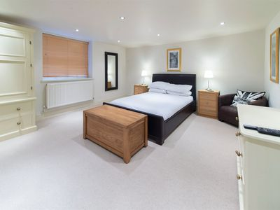 Photo for 2 bedroom Apartment in Harrogate - HH093