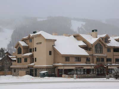 Photo for 3 BR + Loft BR/4 BA Top Floor Condo with Panoramic Ski Run View