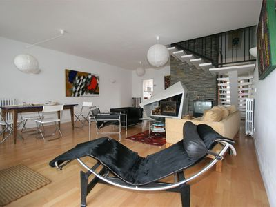 spacious modernist living room furniture - Modernist Living Room