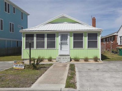 Photo for Key Lime Escape: A Comfy Pet Friendly 2 Bedroom One Level Home in Kure Beach With a Fenced in Yard.