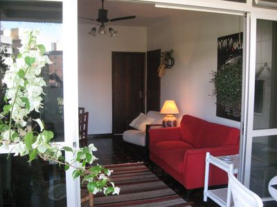 Photo for Charming flat in Caiobá with balcony, barbecue two blocks from the sea