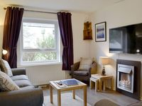 This is a wonderful cottage, ideal for taking dogs as you can walk straight into Fritz Park.
