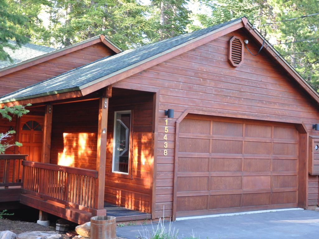 Cozy popular vacation cabin in tahoe donner tahoe donner for Cheap tahoe cabin rentals
