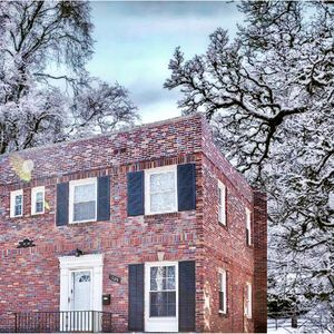 Photo for Walking distance to Forest Park &St.Louis Zoo! 2mi to Clayton&5mi downtown