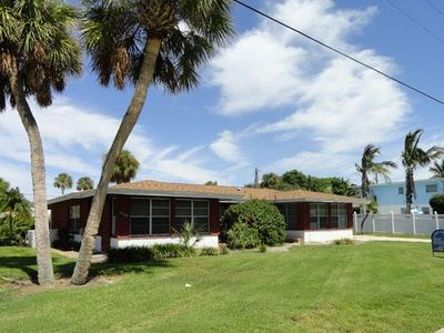 Photo for Beautiful 2BR 3BA one block from Gulf with WIFI, Parking