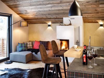 Photo for Lovely apartment in villa with WIFI, hot tub, TV, balcony, washing machine, pets allowed and park...