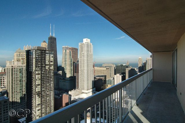 Property Image#2 Magnificent Mile Corner 2 Bedroom Suite On 43rd Floor With  Balcony