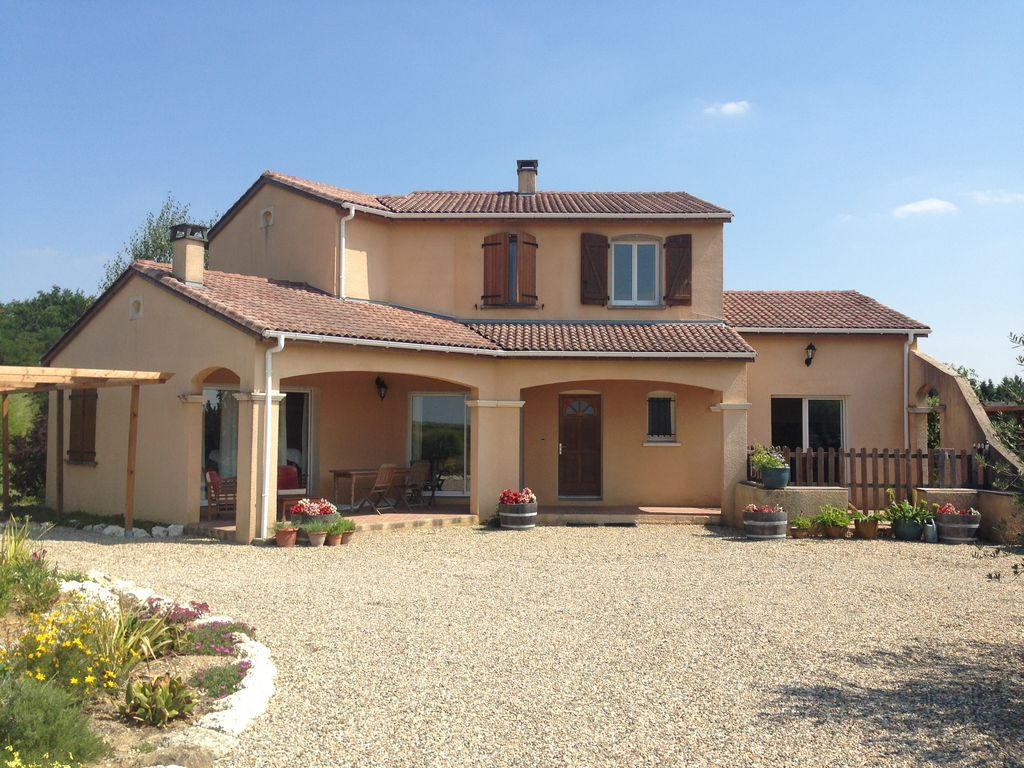 Villa sleeping 8 with pool: Modern Villa with swimming pool and ...