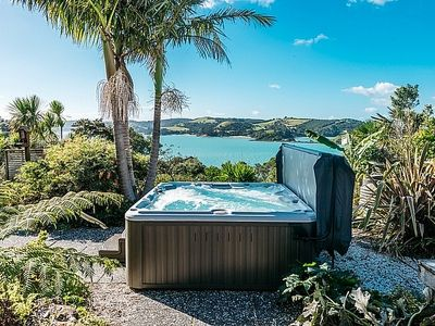 Photo for Sol Spa Oasis - Surfdale Holiday Home