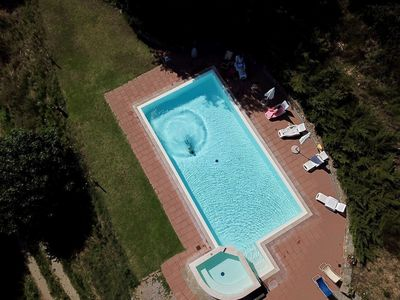 Photo for Lovely apartment for 4 guests with hot tub, WIFI, pool, veranda and parking, close to Cortona