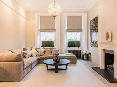 Photo for Exquisite, Luxury 3 Bed Apartment in Earl's Court