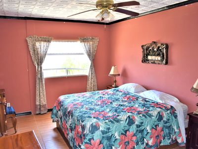 Photo for 3 bedroom. King bed! 20 Min Airport.  Apt#1 Best Central Valley Views !