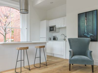 Photo for Luxury Two Bed Leeds Apt Inc Parking Great Location