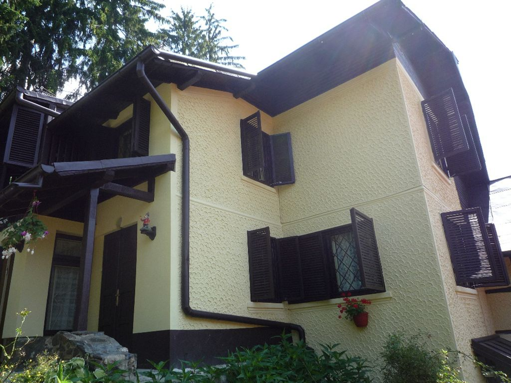 Comfortable House Of Sinaia Comfortable House With