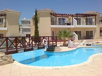Top Left Apartment overlooking the pool