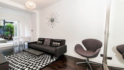 Photo for Lovely West end flat & Garden W1. Oxford St/Regents Park/Marylebone. Air Con.