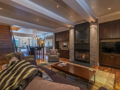 Photo for Ski-in/Out Luxury Town Condo, Valet Parking, Concierge: Bella Vista at Element 52