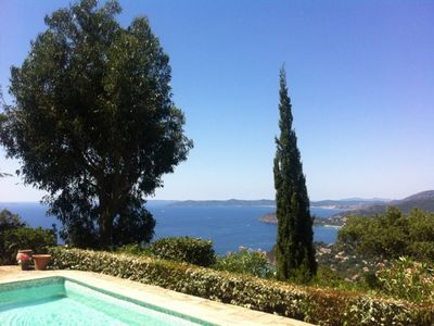 Photo for Villa with pool and stunning views of the Golden and the Bay of Islands Lavandou