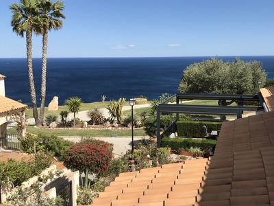 Photo for Beautiful 3 bedroom townhouse with sea views