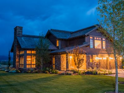 Photo for LUX 4bdrm Golf Course & Mtn Views