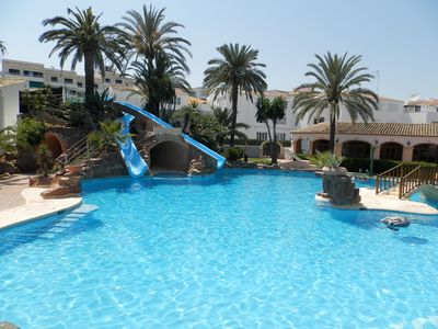 Amazing swimming pool, slides and tunnel/cave. Plus Children's pool for toddlers