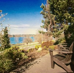 Photo for Green Lake VIEW 2 Bed 1 Bath Modern Apt, Fam Friendly, Cook's Kitchen, Laundry +