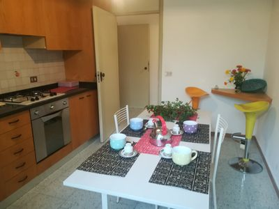 Photo for Apartment in independent house 200 meters from the sea, with large garden and park