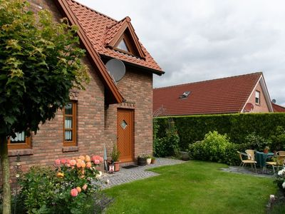 Photo for Holiday home Henny - Holiday in the idyllic fishing village Ditzum