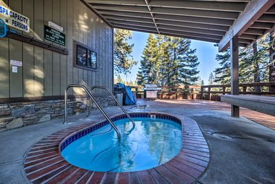 With access to top-notch community amenities, this Mammoth Lakes home is 5-star.