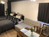 This was a very clean apartment, very convenient location by Bentencho station. I would definitely