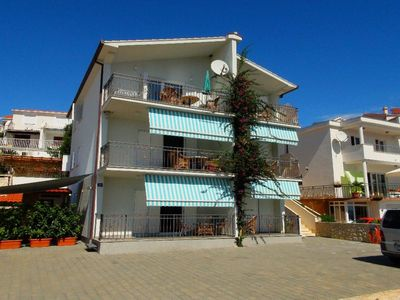 Photo for Studio with sea view and only 50 m from the beach