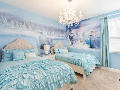 Photo for 8min to Disney! Frozen & Star Wars Themed Rooms-Where All Princesses&Jedi Reside