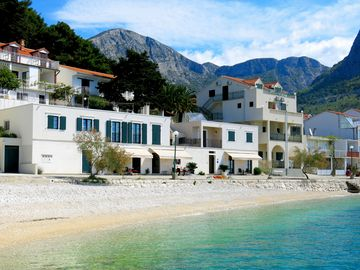 Exclusive apartment in a prime location - directly on the beach, only 5 meters to the sea - Apartment (D3) für 3 Personen