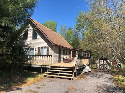 Photo for Poconos Chalet - Short walk to beach and lake, pool and clubhouse
