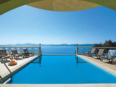 Photo for Stunning 4 bedroom villa w/ incredible views, pool, Wi-Fi & air con