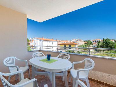 Photo for Holiday apartment with balcony - Apartment Loren 3