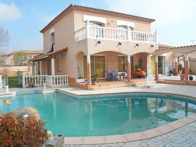Photo for Modern house with large pool on the outskirts of Perpignan