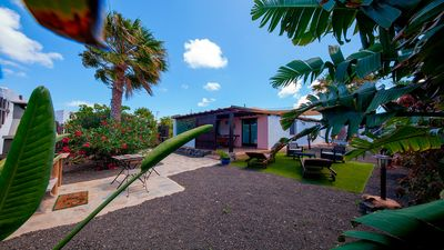 Photo for Cozy Villa in Lajares with private garden, wiffi and offers 25% from May and Jun