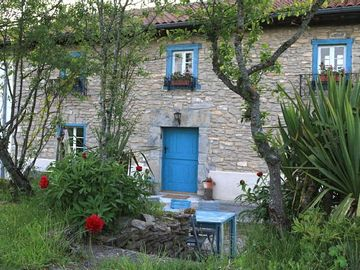 Self catering Baserri Ulle Gorri for 10 people