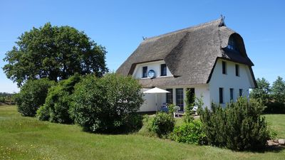 Photo for Comfortable thatched house on 6th 000 sqm plot near Wieck harbor