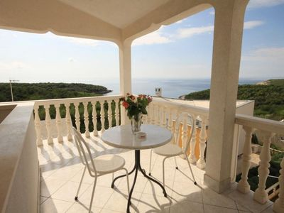 Photo for One bedroom apartment with terrace and sea view Rukavac (Vis)