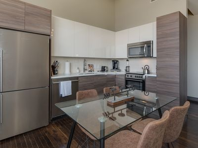Photo for Charming 2bd in Downtown+Pool+Gym+FREE Valet