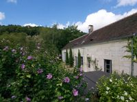 A beautiful spot in the Loire, rustic accomodations