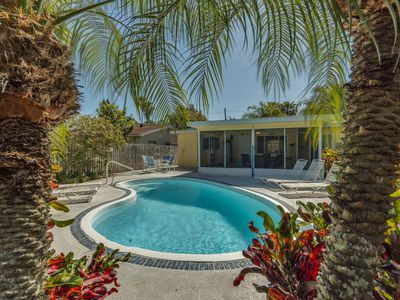 Photo for Gorgeous Margaritaville  Pool Home, 4 1/2 min walk to beach