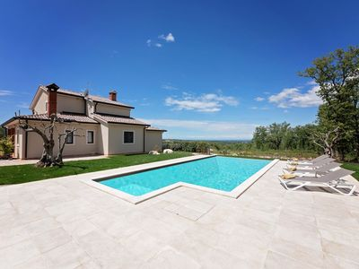 Photo for Spacious villa, swimming pool, summer kitchen, panoramic sea view, in green surroundings