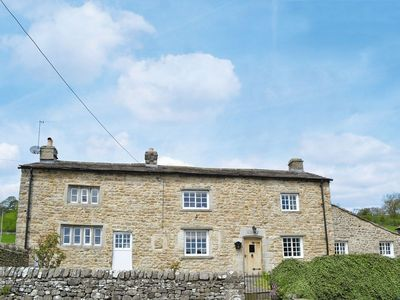 Photo for 4 bedroom property in Leyburn. Pet friendly.
