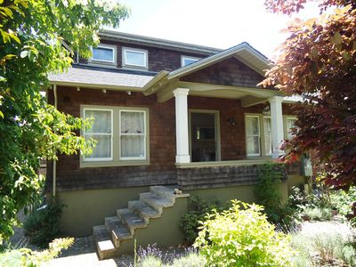 Photo for Darling Craftsman home in the heart of Rockridge