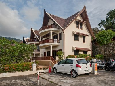Beverly Hills - 3/F Apartment in townhouse overlooking Patong, Great sea view